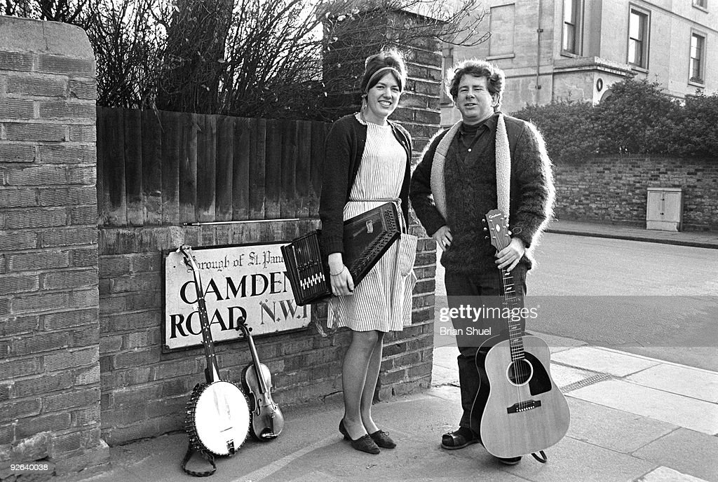 Photo of Jeanie DARLINGTON and Sandy DARLINGTON : Nachrichtenfoto