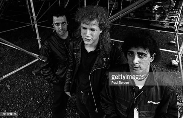 Photo of Jeff HEALEY and Joe ROCKMAN and Tom STEPHENS, Blind guitarist Jeff Healey with Joe Rockman and Tom Stephens