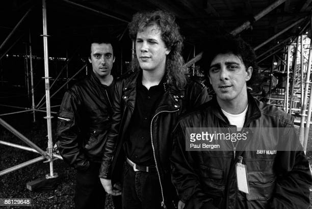 Photo of Jeff HEALEY and Joe ROCKMAN and Tom STEPHENS, Blind guitarist Jeff Healey with Joe Rockman and Tom Stephens