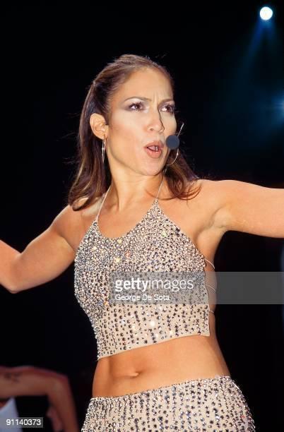 Photo of Jennifer LOPEZ Photo by George De Sota /Redferns