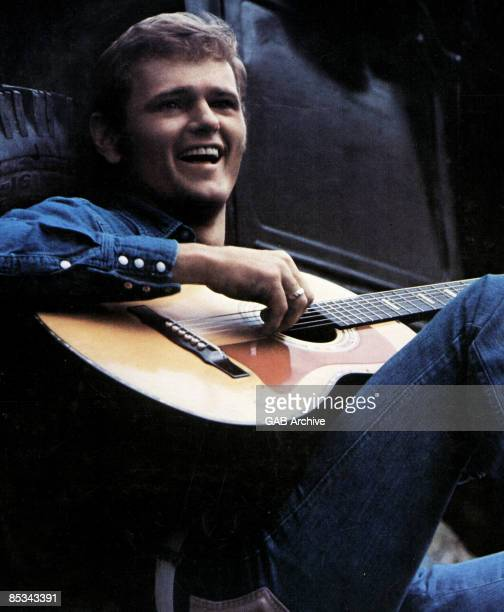 Photo of Jerry REED posed