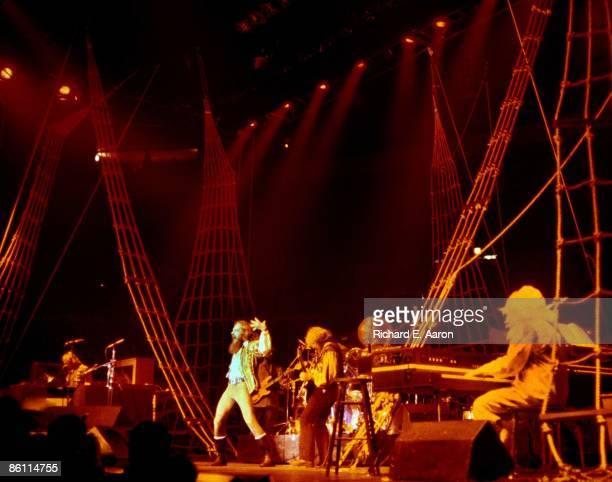 Photo of JETHRO TULL LR David Palmer Ian Anderson Martin Barre John Evan performing live onstage