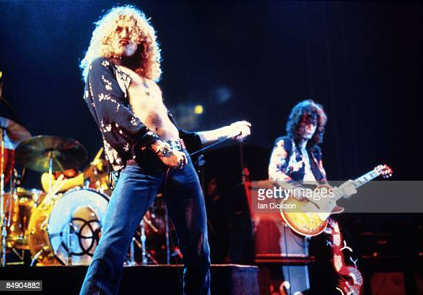 COURT Photo of Jimmy PAGE and Robert PLANT and LED ZEPPELIN LR Robert Plant Jimmy Page performing live onstage