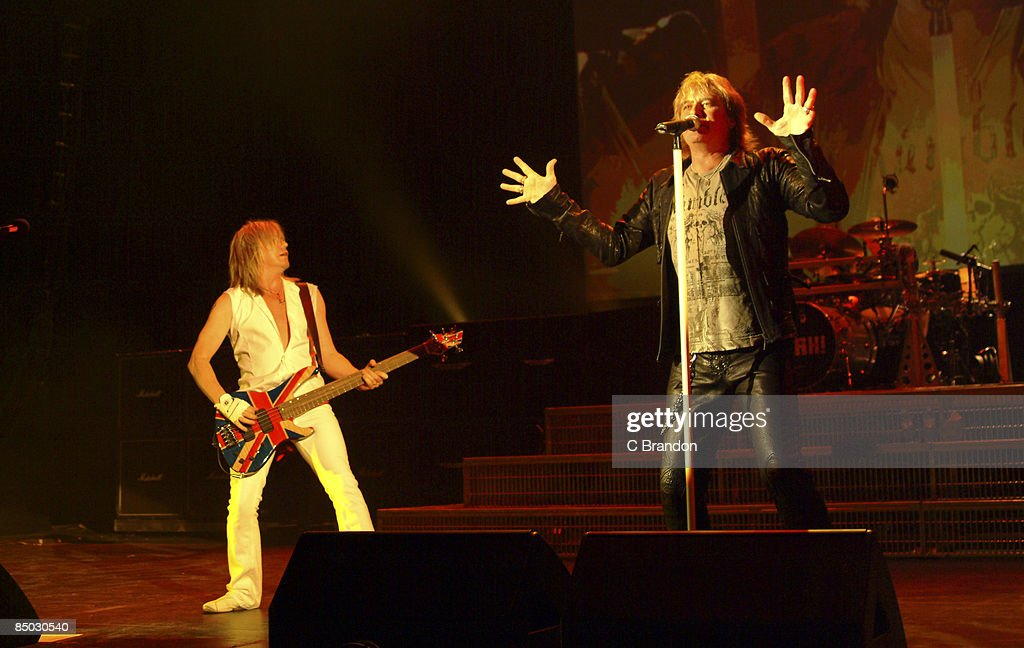 Photo of Joe ELLIOTT and DEF LEPPARD : News Photo