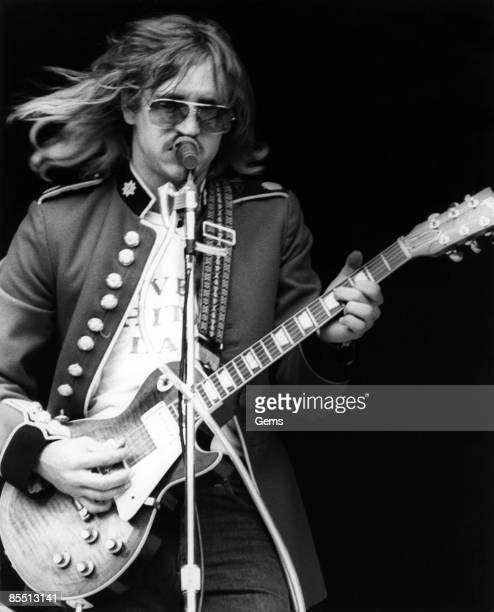 USA Photo of Joe WALSH and EAGLES Joe Walsh performing live onstage playing Gibson Les Paul guitar clate 1970s