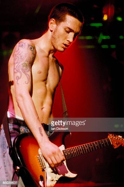Photo of John FRUSCIANTE and RED HOT CHILI PEPPERS John Frusciante performing live onstage