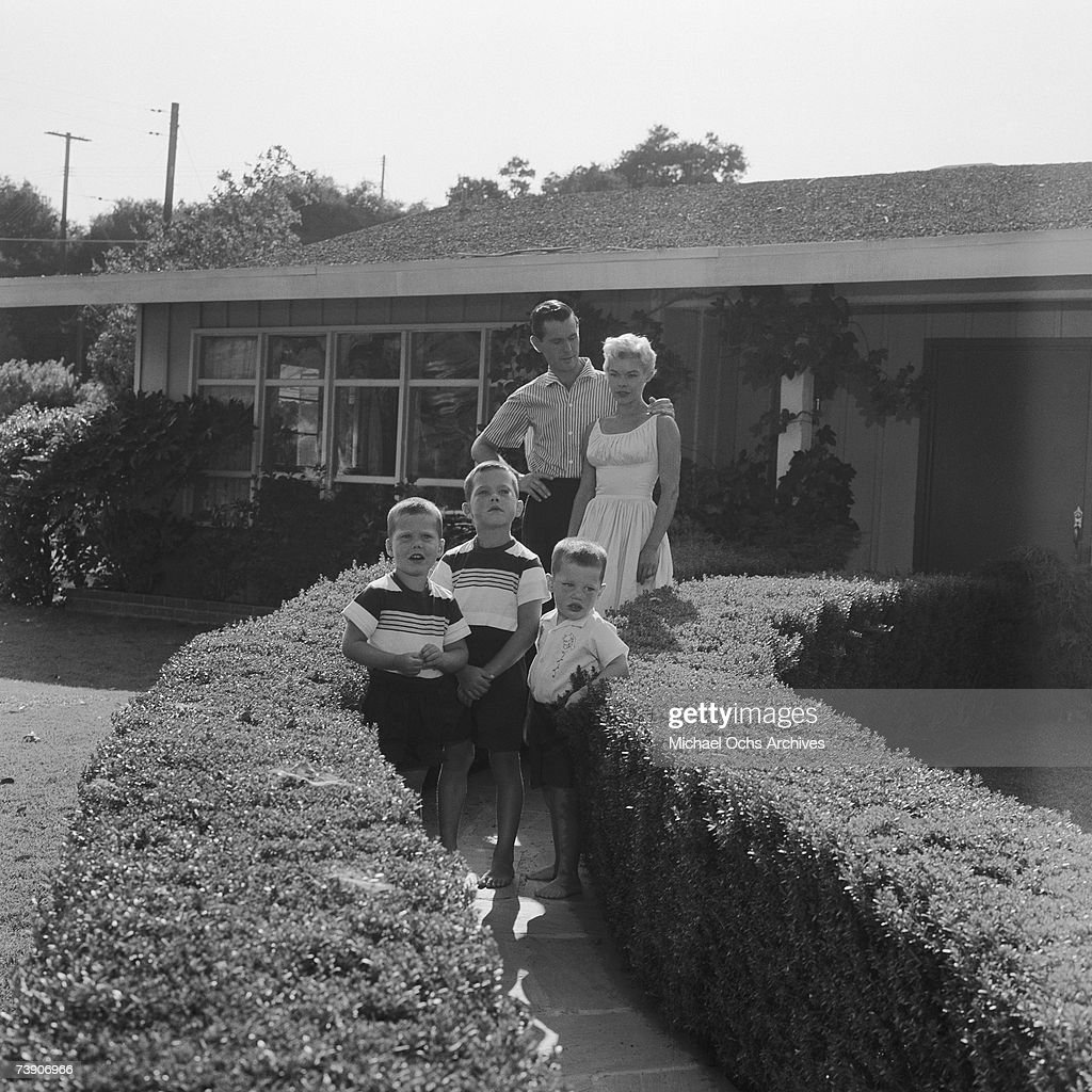 July 5, 1956, California, Johnny Carson, At home with wife J : News Photo