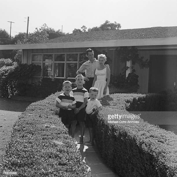 Photo of Johnny Carson July 5 California Johnny Carson At home with wife Joan and Sons Richard Christopher and Cory