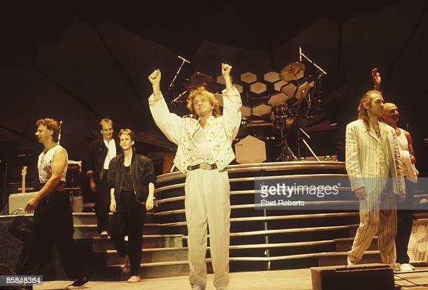 UNITED STATES JANUARY 01 Photo of Jon ANDERSON and Steve HOWE and Bill BRUFORD and Milton McDONALD and ANDERSON BRUFORD WAKEMAN HOWE and Tony LEVIN...