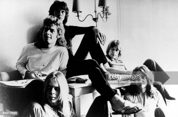 Photo of Jon ANDERSON and Steve HOWE and Chris SQUIRE and Bill BRUFORD and Rick WAKEMAN and YES Clockwise from bottom left Rick Wakeman Bill Bruford...