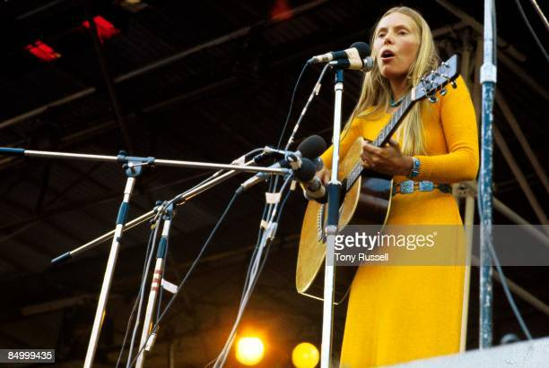 FESTIVAL Photo of Joni MITCHELL