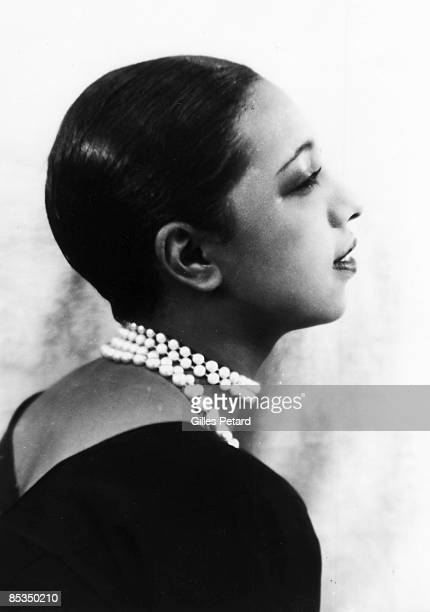 Photo of Josephine BAKER Posed studio portrait of Josephine Baker profile