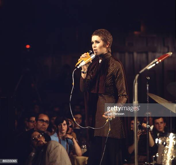 FESTIVAL Photo of Julie Driscoll 3 Julie Driscoll Montreux Jazzfestival June 1968