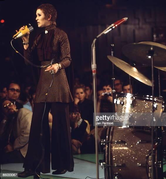FESTIVAL Photo of Julie Driscoll 4 Julie Driscoll Montreux Jazzfestival June 1968