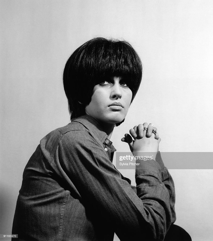 Photo of Julie DRISCOLL; Posed studio portrait of Julie Driscoll News Photo  - Getty Images