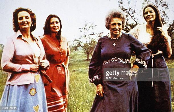 Photo of June CARTER and CARTER FAMILY and Mother Maybelle CARTER and Helen CARTER and Anita CARTER; The Carter Family L-R Helen, Anita, Mother...