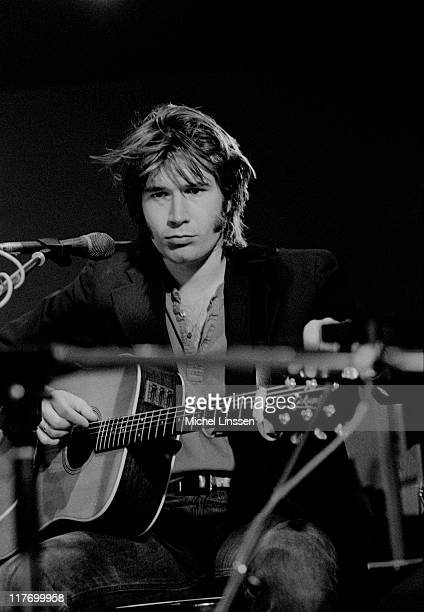 Photo of Justin Currie from Scottish rock band Del Amitri performing live on stage in the Netherlands in 1992