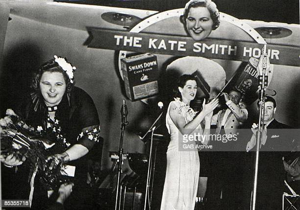 USA Photo of Kate SMITH Kate Smith and Jo Stafford on the 'Kate Smith Hour'