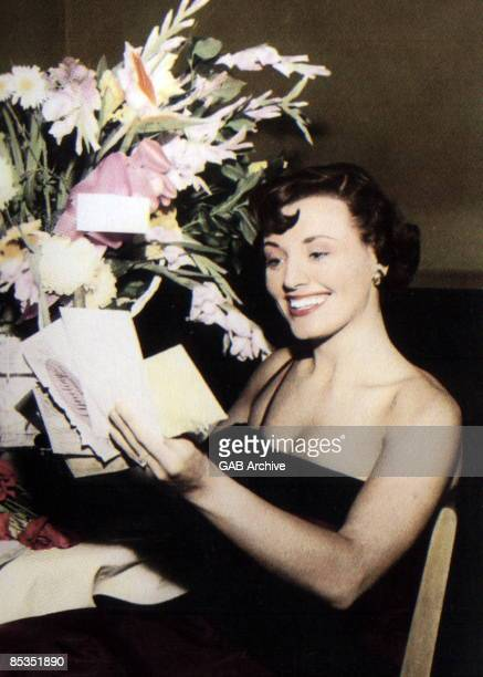 Photo of Kay STARR; Reading wellwishers cards