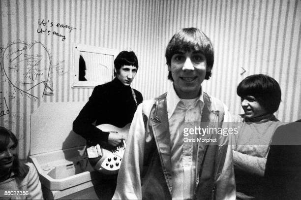 PALAIS Photo of Keith MOON and The Who Pete Townshend Keith Moon and John Entwistle posed backstage gig performed without Roger
