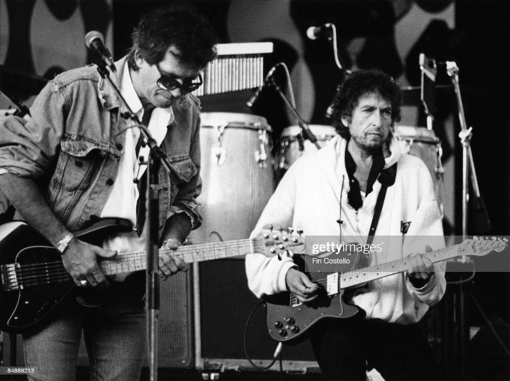 Photo of Keith RICHARDS and Bob DYLAN; Keith Richards & Bob Dylan performing live onstage at the 'Guitar Legends' concert