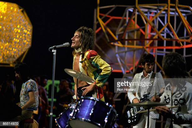 POPS Photo of Kenney JONES and Ian McLAGAN and FACES and Ronnie LANE and Rod STEWART LR Ian McLagan Rod Stewart Ronnie Lane Kenney Jones performing...