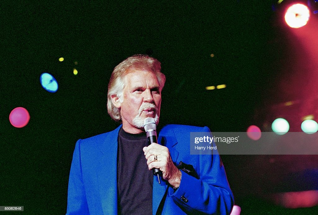 Photo of Kenny ROGERS : News Photo