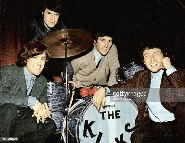 Photo of KINKS LR Dave Davies Ray Davies Mick Avory Pete Quaife posed group shot