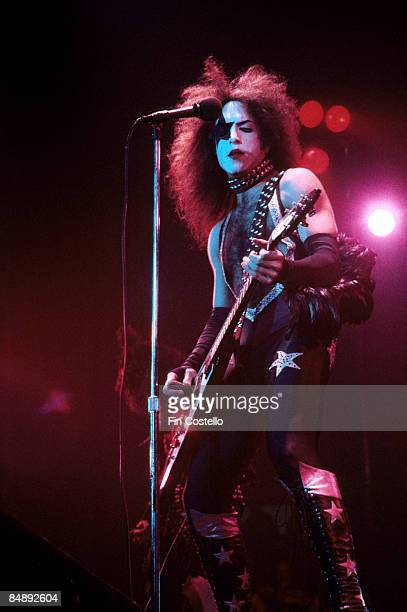 COLISEUM Photo of KISS and Paul STANLEY Paul Stanley playing live on stage playing Gibson Flying V guitar