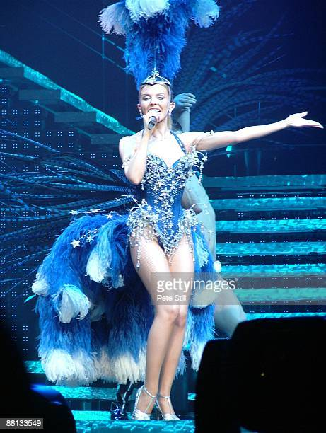 COURT Photo of Kylie MINOGUE on Show Girl tour
