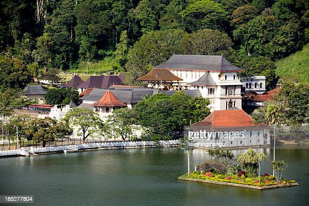 photo of lake in kandy sri lanka - kandy kandy district sri lanka stock pictures, royalty-free photos & images