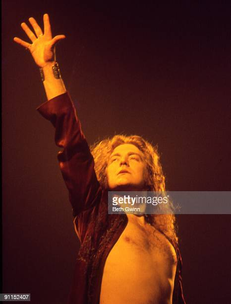 NASHVILLE Photo of LED ZEPPELIN and Robert PLANT Robert Plant performing on stage