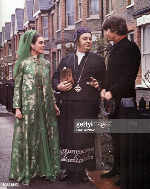 Photo of Leo McKERN and Eleanor BRON and BEATLES and John LENNON still from 'Help' featuring Eleanor Bron Leo McKern and John Lennon