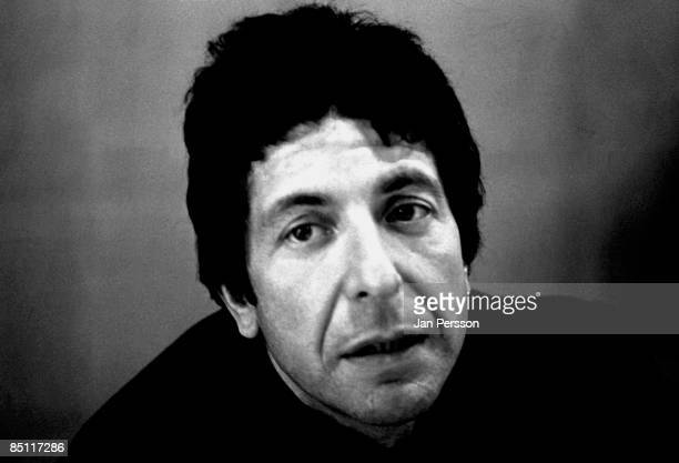 Photo of Leonard COHEN Leonard Cohen posed