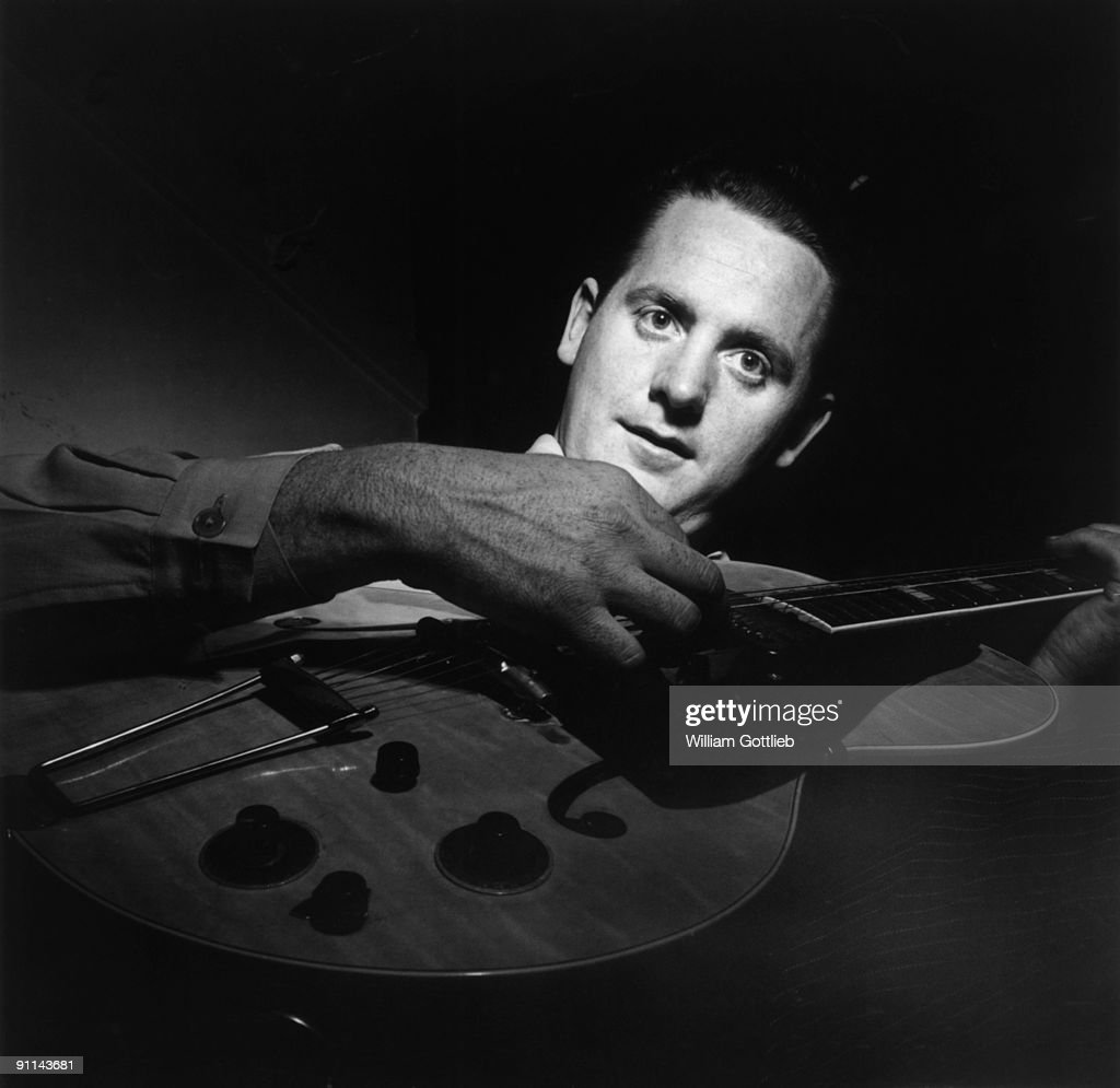 UNS: In Focus: 100 Years Since The Birth Of Guitarist Les Paul