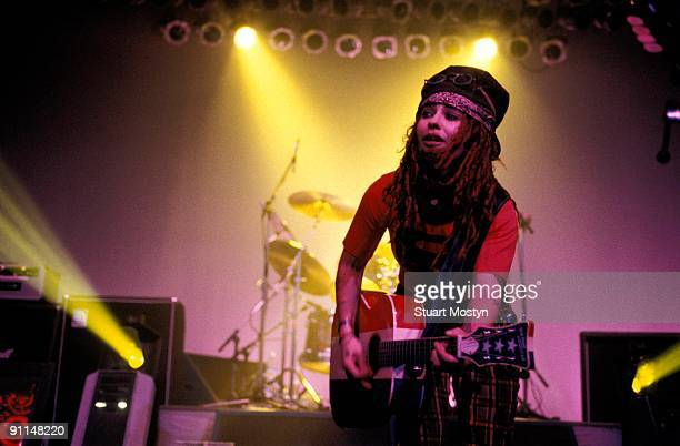 Photo of Linda PERRY and 4 NON BLONDES Linda Perry