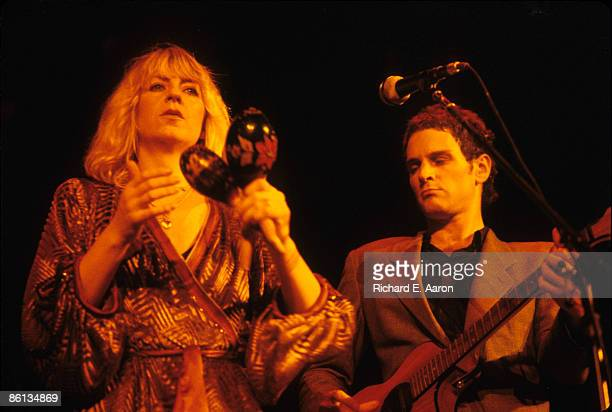 Photo of Lindsey BUCKINGHAM and Christine McVIE and FLEETWOOD MAC LR Christine McVie Lindsey Buckingham performing live onstage