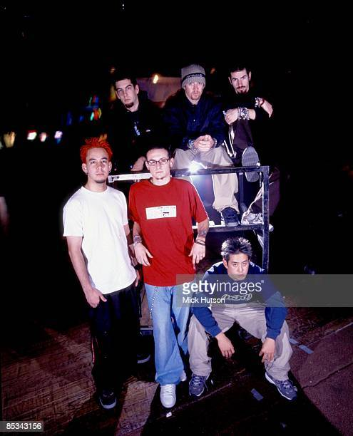 Photo of LINKIN PARK and Mike SHINODA and Rob BOURDON and Dave FARRELL and Brad DELSON and Chester BENNINGTON and Joe HAHN LR Rob Bourdon Dave