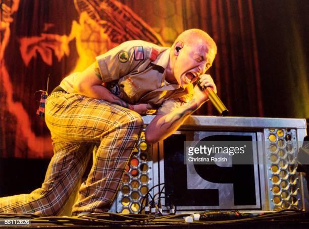 Photo of LINKIN PARK Chester Bennington performing at Arrowhead Pond Anaheim