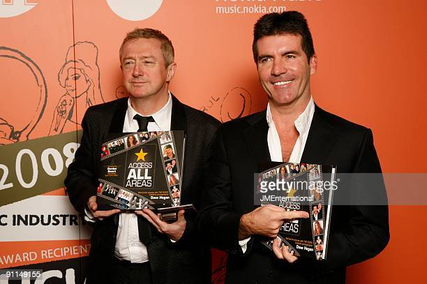 Photo of Louis WALSH and Simon COWELL, Louis Walsh and Simon Cowell posed at the 2008 Music Industry Trusts Award Dinner