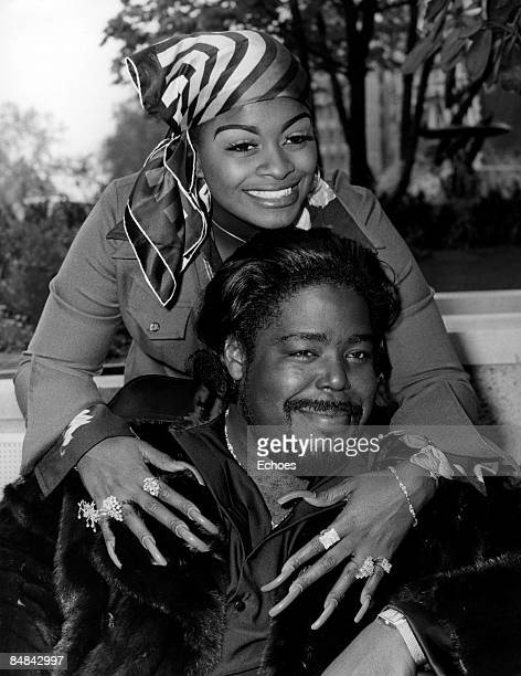 Photo of LOVE UNLIMITED and Barry WHITE With wife Glodean James of Love Unlimited