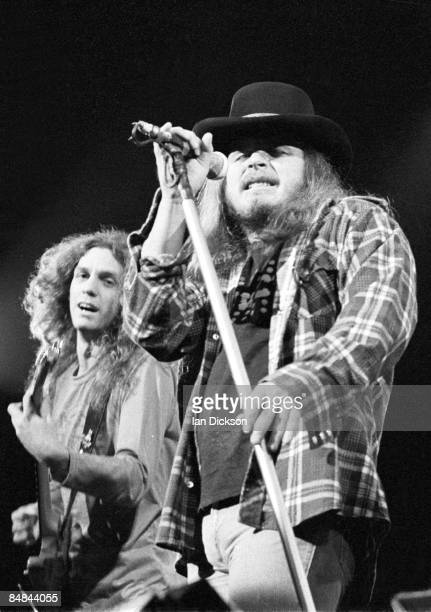 THEATRE Photo of LYNYRD SKYNYRD and Ronnie VAN ZANT and Allen COLLINS Allen Collins and Ronnie Van Zant performing live onstage