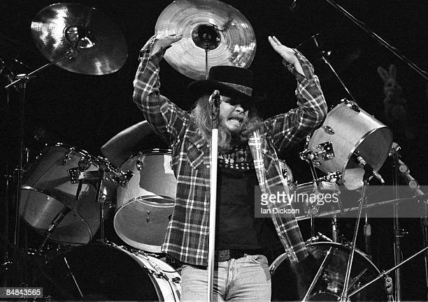 THEATRE Photo of LYNYRD SKYNYRD and Ronnie VAN ZANT Ronnie Van Zant performing live onstage