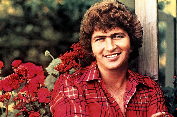 UNS: Singer Mac Davis Dies At 78