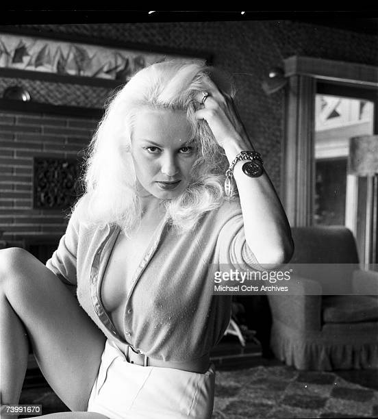 Photo of Mamie Van Doren