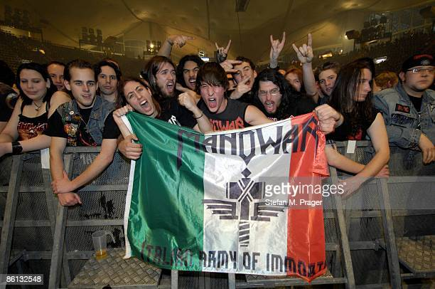 OLYMPIAHALLE Photo of MANOWAR Manowar fans with a flag