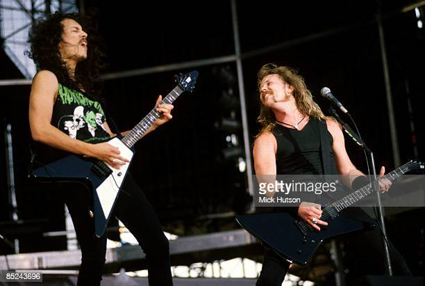 ROCK Photo of METALLICA and James HETFIELD and Kirk HAMMETT LR Kirk Hammett and James Hetfield performing live onstage