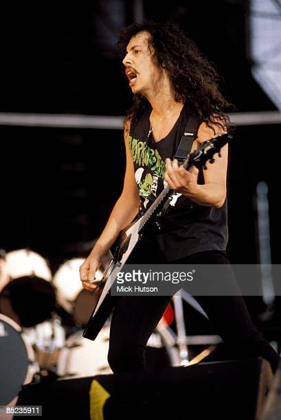 ROCK Photo of METALLICA and Kirk HAMMETT Kirk Hammett performing live onstage playing Gibson Flying V guitar