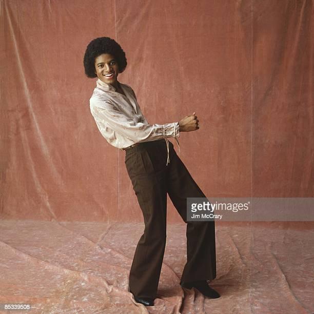 Photo of Michael JACKSON Posed full length studio portrait of Michael Jackson