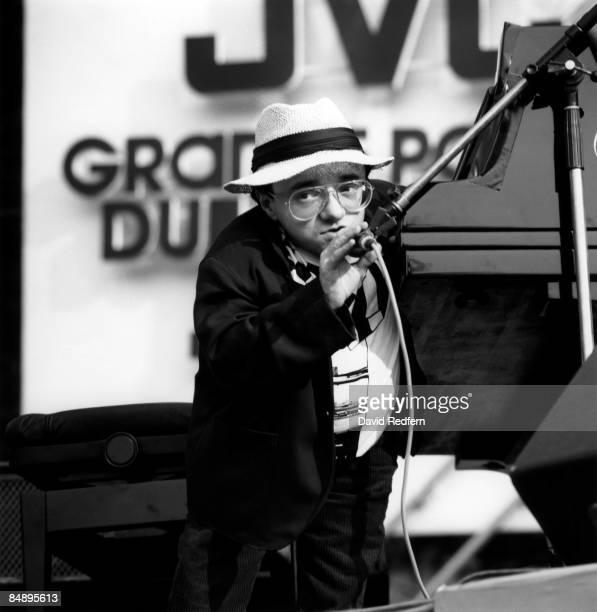 Photo of Michel PETRUCCIANI; Jazz pianist Michel Petrucciani on stage